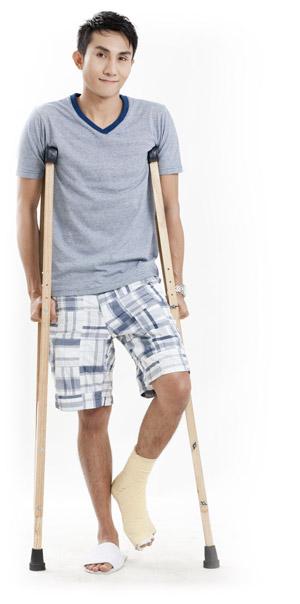 boy-on-crutches