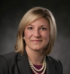 Dr. Kelly Holtkamp, orthopedic hand surgeon at OrthoIllinois in Crystal Lake and Huntley