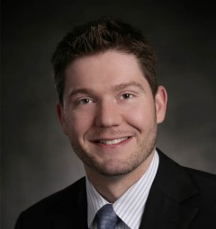Dr. Brian Braaksma, orthopedic spine surgeon at OrthoIllinois in Rockford