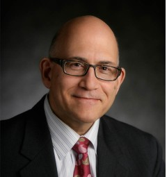 Dr. Victor Antonacci, total joint orthopedic surgeon at OrthoIllinois in Rockford